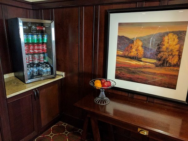 Sheraton Herndon Dulles Airport Club Lounge Beverages