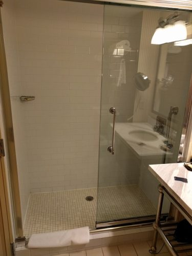Sheraton Herndon Dulles Airport King Club Room Shower