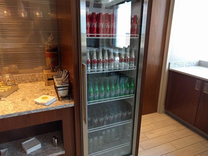 Hilton Norfolk Empyrean Lounge beverages