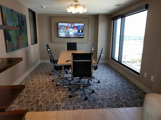 Hilton Norfolk Empyrean Lounge meeting area