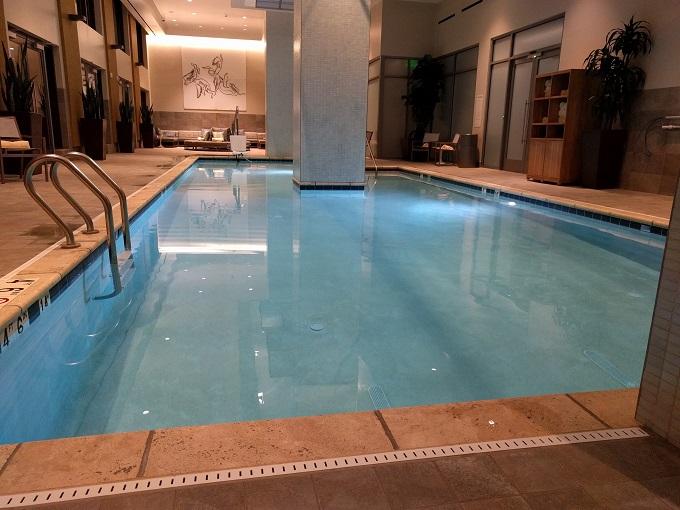 Hilton Norfolk swimming pool