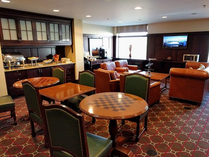 Sheraton Herndon Dulles Airport Hotel club lounge