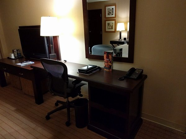 Sheraton Roanoke desk