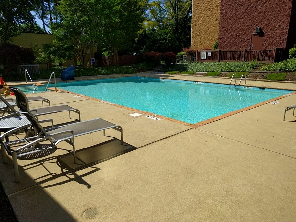 Sheraton Roanoke outdoor pool