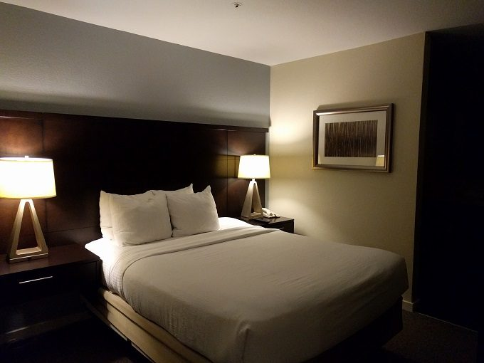 Staybridge Suites Herndon Dulles - bedroom 1