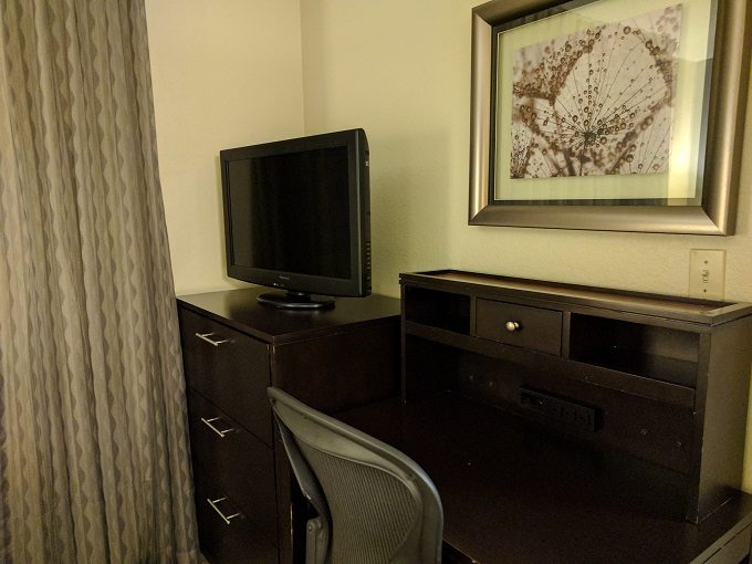 Staybridge Suites Herndon Dulles bedroom 2 dresser and desk
