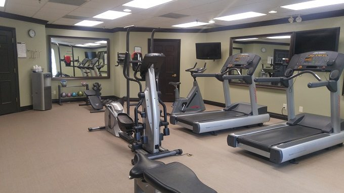 Staybridge Suites Herndon Dulles gym