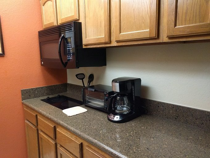 Staybridge Suites Herndon Dulles kitchen 2