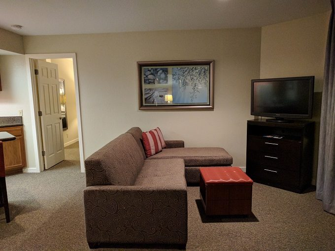 Staybridge Suites Herndon Dulles living room