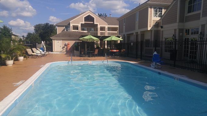 Staybridge Suites Herndon Dulles swimming pool