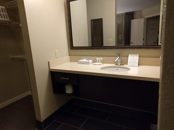 Staybridge Suites Herndon Dulles vanity