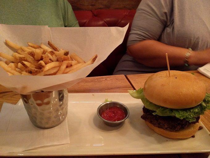 Tavern Classic burger