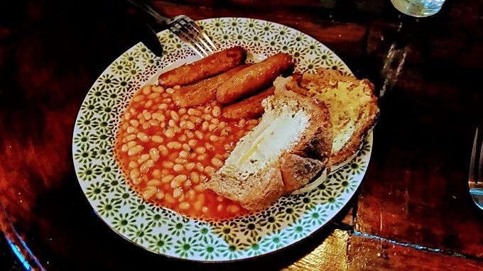 Stage Door Cafe, Dublin - beans on toast with sausages