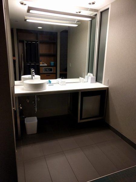 Aloft Raleigh - bathroom