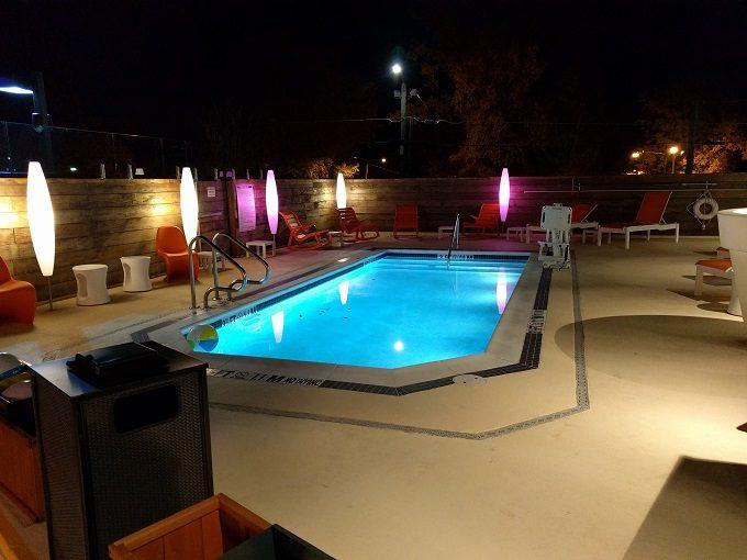 Aloft Raleigh - heated outdoor pool