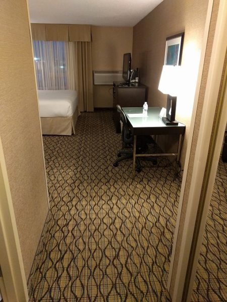 Holiday Inn Chicago-Elk Grove room entrance