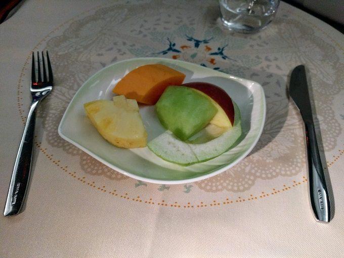 EVA Air TPE-JFK business class - fruit dessert
