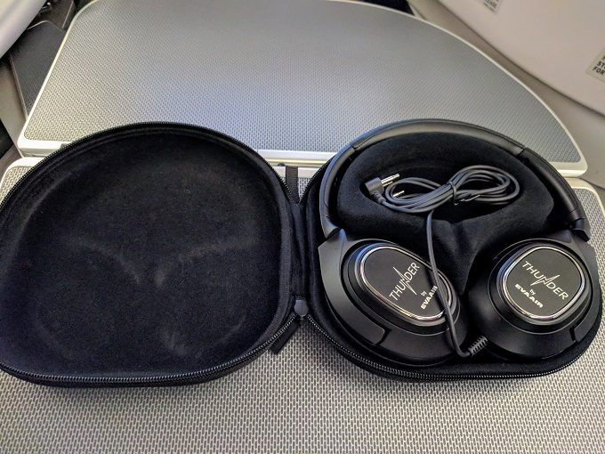 EVA Air TPE-JFK business class noise-cancelling headphones