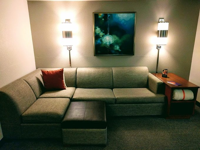 Hyatt Place Columbia-Harbison corner couch