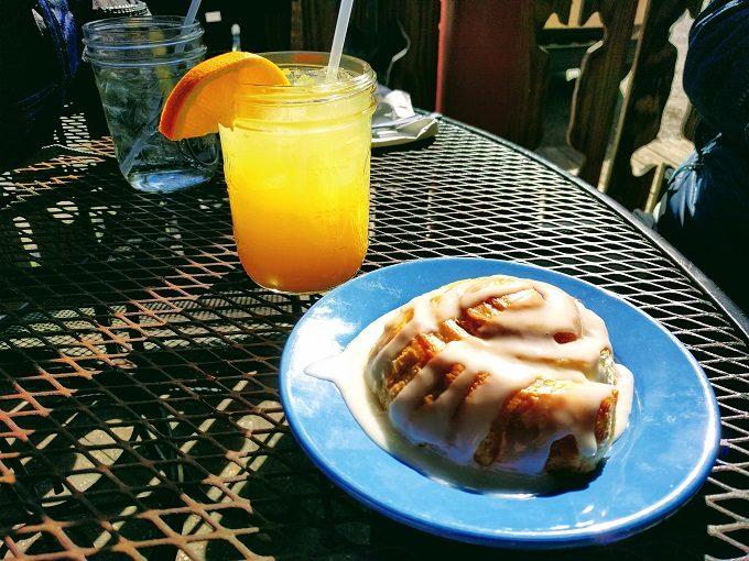 Lost Dog Cafe - Cinnamon roll and mason jar mimosa