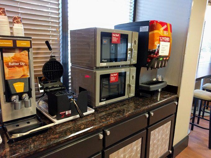 Comfort Inn Greenville SC breakfast - Microwaves and fruit juices