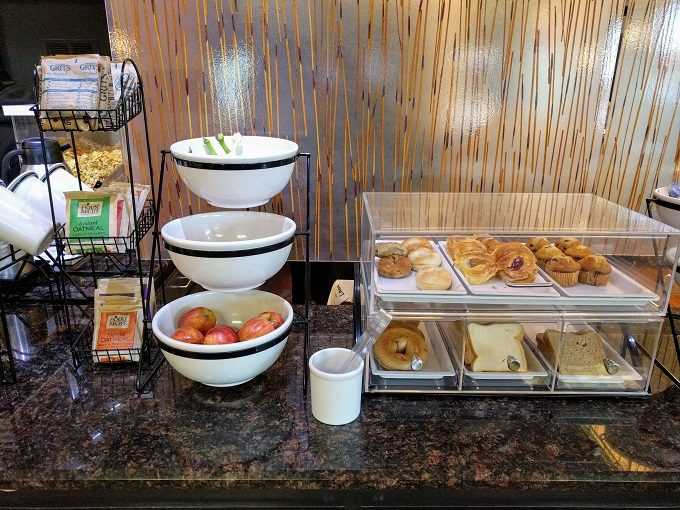 Comfort Inn Greenville SC breakfast - Oatmeal, grits, fruit, breads and pastries